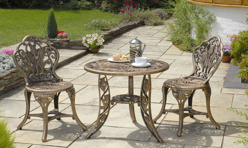 Your Guide To Get The Best Garden Table And Chairs – Decorifusta inside Beautiful Garden Table - Ottoman Coffee Tables