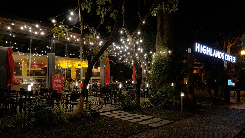 thiet-ke-anh-sang-quan-cafe-san-vuon-greenmore