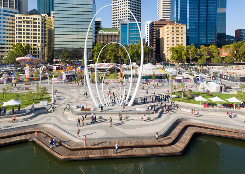 canh-quan-ElizabethQuay-greenmore