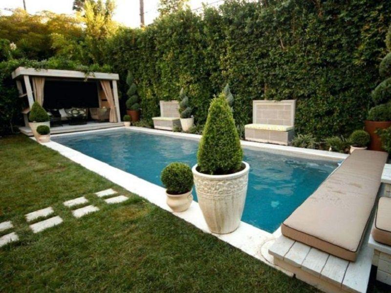 Một chòi nghỉ luôn không thể thiếu cho một bể bơi đẹp